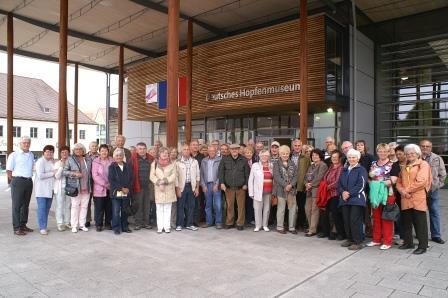 """60 Teublitzer Senioren wandelten im Hopfenmuseum Wolnzach auf der Spur des grünen Goldes"""""""""""