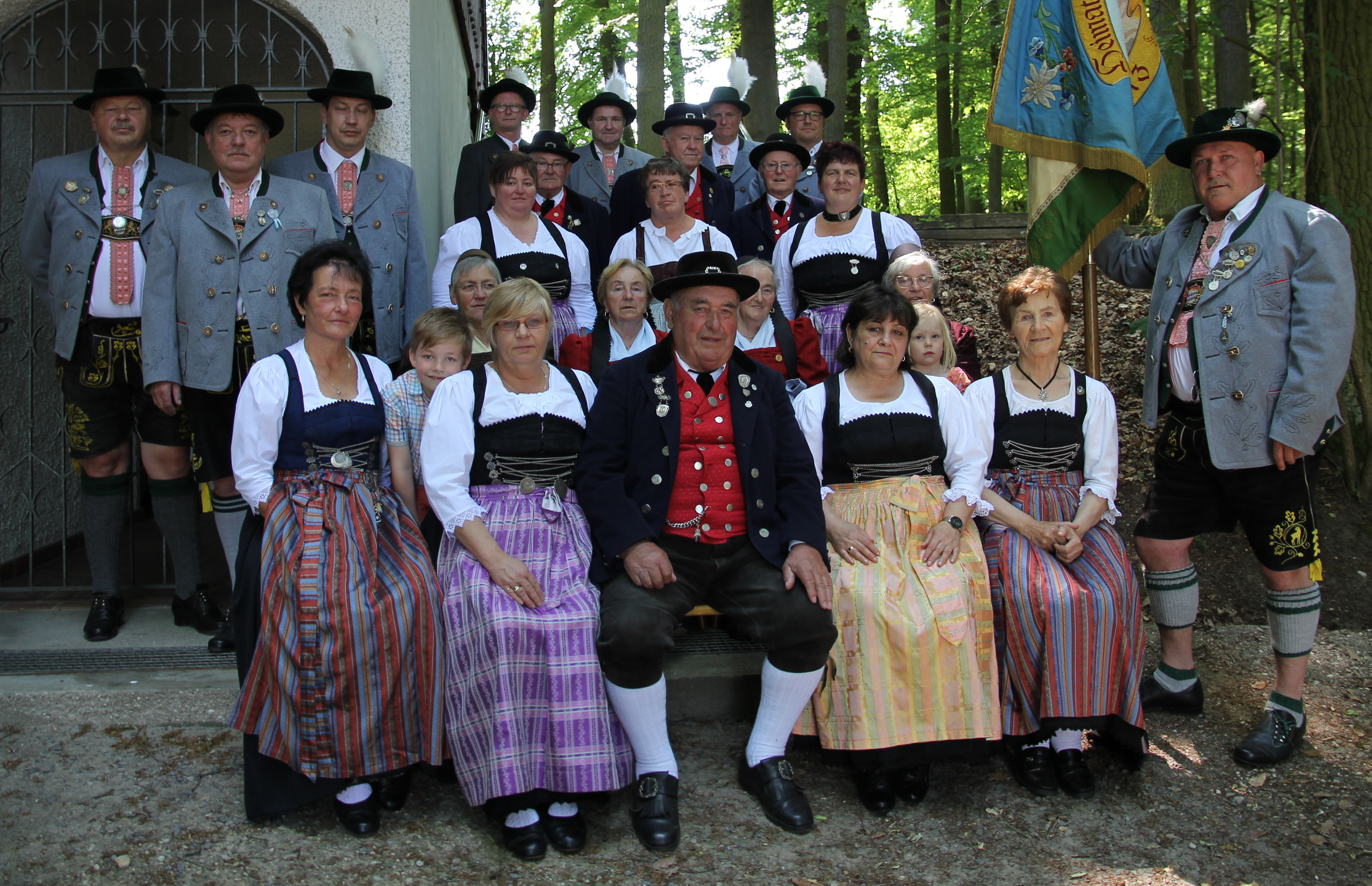 90jähriges Gründungsfest des Heimat- und Volkstrachtenvereins Teublitz e.V.