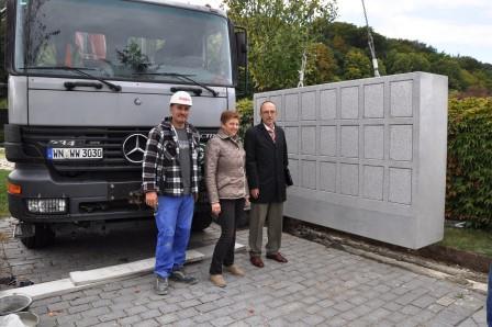 Friedhof Teublitz: Urnenwand erweitert