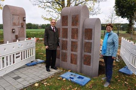Friedhof Katzdorf: Neue Urnenstelen
