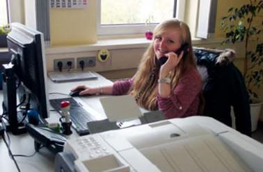 Interview: Laura Schneider (21) über die Ausbildung zur Industriekauffrau