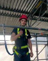 Interview: Luca Plati (17) über die Ausbildung zum Gerüstbauer