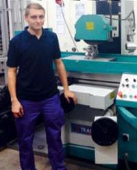 Interview: Kevin Mrohs (22) über die Ausbildung zum Feinwerkmechaniker Fachrichtung Maschinenbau
