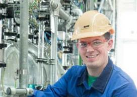 Interview: Sebastian Otto (23) über die Ausbildung zum Chemikanten