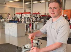 Interview: Florian Piroth, 19 Jahre, Ausbildung zum Mechatroniker