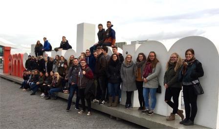 Jugendliche in Amsterdam - Metropole mit multikulturellem Charme