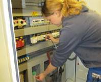 Interview: Michelle Jakob (17) über die Ausbildung zur Elektronikerin für Energie und Gebäudetechnik