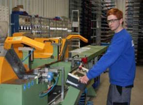 Interview: Maximilian Öffler, (19) über die Ausbildung zum Rollladen- und Sonnenschutzmechatroniker