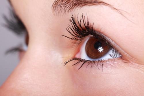 So schützen Sie Ihre Augen im Sommer