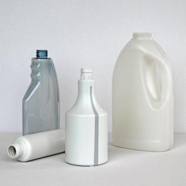 Umweltfreundliche Kunststoffflaschen aus Recyclat