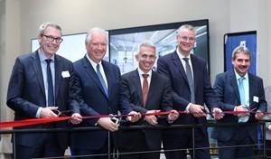 Frankfurts Oberbürgermeister Peter Feldmann eröffnet neues Ausbildungszentrum der Mainova