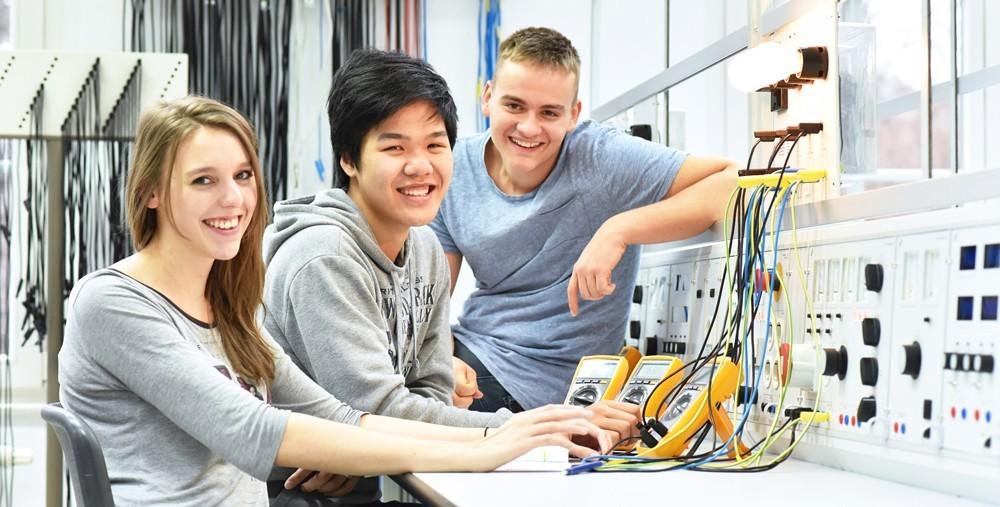 Berufsbereich Elektroberufe: Industrieelektriker/-in (Betriebstechnik/Geräte und Systeme)