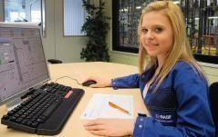Interview: Jessica Vogel (18) über den Beruf der Chemikantin