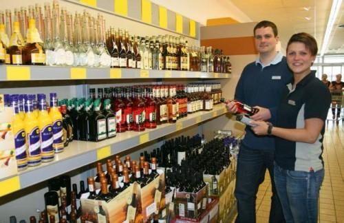 Interview: Fabien May (21) und Robert Barker (21) über ihren Beruf Kauffrau/-mann im Einzelhandel