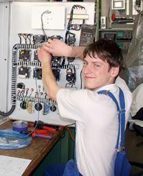 Interview: Florian Hanßler (20) über den Elektroniker für Betriebstechnik